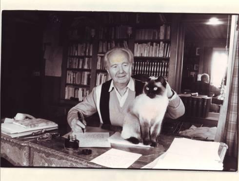 Photographie de Robert Merle prise en 1985