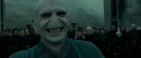 3141025-hp-dh-part-2-lord-voldemort-26625098-1920-800