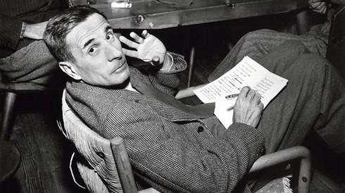 L'ecrivain et journaliste italien Dino Buzzati (1906-1972) a Cervinia 1954 Neg:B70379PL --- Italian journalist and writer Dino Buzzati (1906-1972) in Cervinia 1954